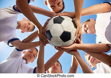 联合起来, 足球组
