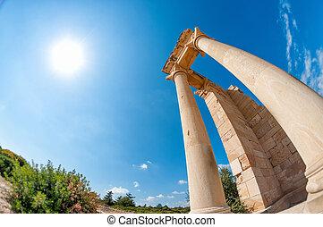 聖域, touristic, 台なし, hylates, -, 1(人・つ), ほとんど, 場所, 人気が高い, apollo, キプロス