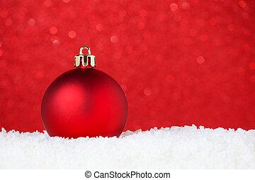 聖誕節, 紅色, 小玩意, 在, 雪, 上, 紅的背景, 由于, bokeh, 選擇性的焦點, 以及, 模仿空間