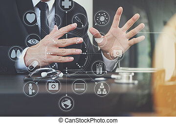 聰明, 醫學的醫生, 工作, 由于, 聰明, 電話, 以及, 數字的藥片, 電腦, 以及, 聽診器, 上, 木頭, 書桌, 在, 現代, 辦公室