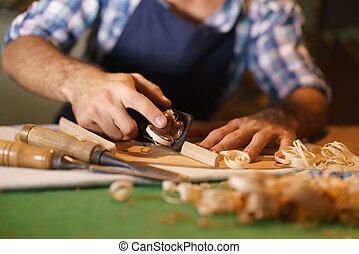 職人, ルート, メーカー, のみで削ること, ひもでつながれた 器械, クラシックギター