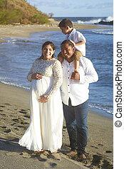 肖像画, の, ヒスパニック 家族, 上に, 浜