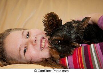 肖像画, の, 子が遊ぶ, ∥で∥, 犬
