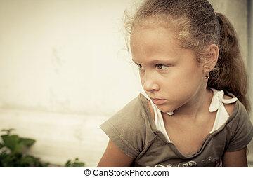肖像画, の, 悲しい子供