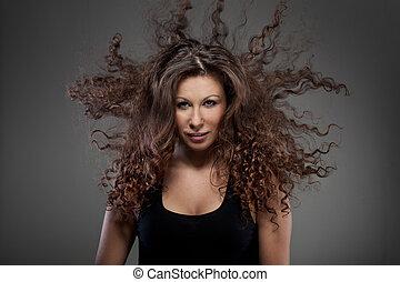 肖像画, の, 美しい女性, ∥で∥, 巻き毛の髪, 空気で