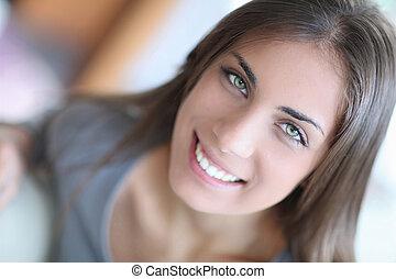 肖像画, の, 美しい, 若い女性