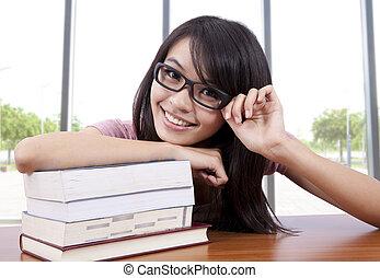 肖像画, の, a, 美しい, 若い, 大学生, 中に, a, 教室
