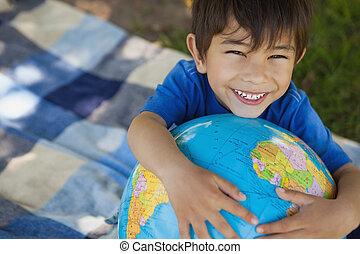 肖像画, 地球, かわいい, 保有物, 男の子, クローズアップ