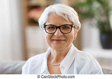 肖像画, 年長の 女性, 幸せ, ガラス