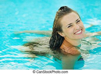 肖像画, 微笑の 女性, 若い, プール