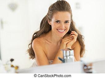 肖像画, 浴室, 女, 若い, 微笑