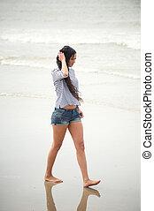 肖像画, 若い, 歩くこと, 浜, 女, 単独で