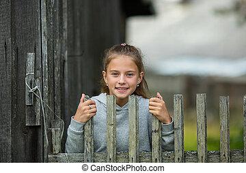 肖像画, countryside., 木製である, わずかしか, かわいい, フェンス, 女の子