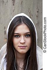 肖像, ......的, 城市, 青少年的 女孩, 听, 音樂