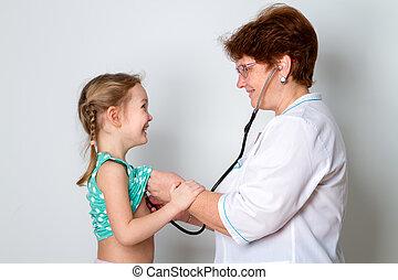肖像, ......的, 女性 醫生, 听, 到, 孩子, 呼吸, 使用聽診器