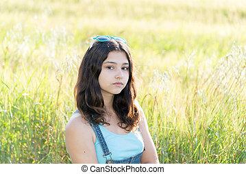 肖像, ......的, 悲哀, 青少年的 女孩, 上, 自然