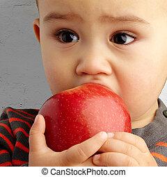 肖像, ......的, 男嬰, 吃, 紅色的苹果