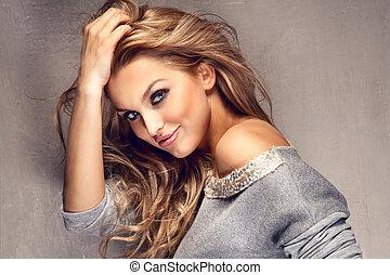 肖像, ......的, 美麗, 白膚金髮, 女孩, 由于, 長的頭髮麤毛交織物
