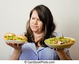 肥胖, 白色, 婦女, 有, 選擇, 在之間, 漢堡包, 以及, 沙拉, 關閉, unhealth, 快餐