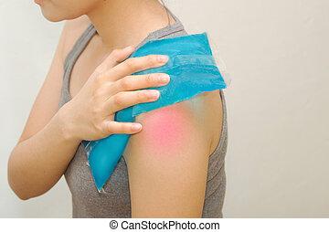 肩, 傷つくこと, 女, 適用, 膨らまされる, 寒い, パック