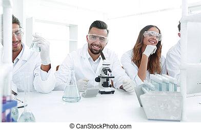 背景, 圖像, 是, a, 組, ......的, 科學家, microbiologists.