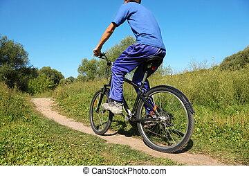 背, ......的, 人, 穿, 運動, clothers., 一個人, 是, 騎馬, 上, 自行車
