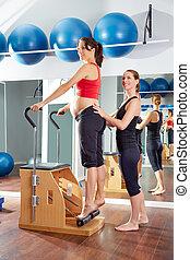 腱, 女, 妊娠した, 伸張, pilates, 練習