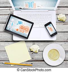 膝上型, 小塊pc, smartphone, 以及, 咖啡茶杯