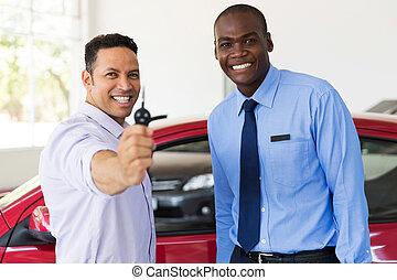 自動車のキー, 年齢, 人, 中央の, 提示, 新しい