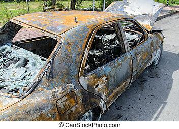 自動車, から, 燃やされる, 大破