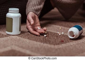 自殺, 約束する, 取得, の上, meds, 女, 終わり