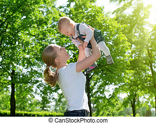 自然, family., 赤ん坊, 幸せ, 母, の上, 投球