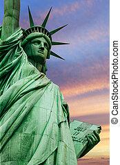 自由女神像, 在下面, 色彩丰富, 天空