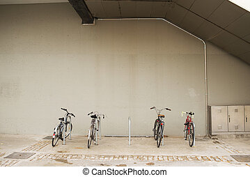 自行車, 在一行中, 站, 上, a, parking.