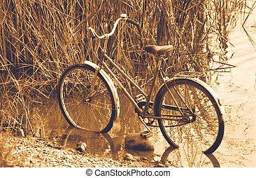 舊的自行車