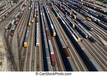 航空写真, 自動車, 軌道に沿って進む, 列車, 多数, 光景