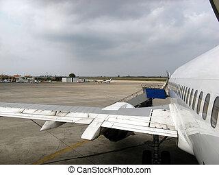 航空機, サイド光景