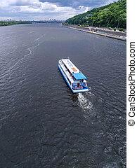 船, 川, 巡航