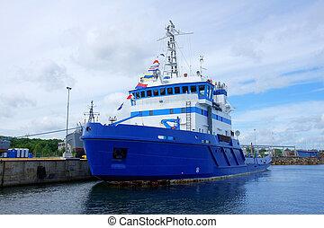 船, 海難救助