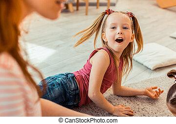 良いムード, ある, 女の子, 興奮する幸せ
