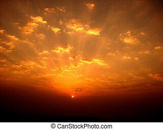 色彩丰富的日出