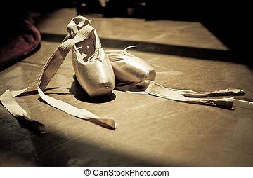 芭蕾舞拖鞋