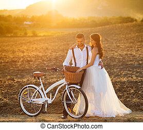 花嫁と花婿, ∥で∥, a, 白い結婚式, 自転車