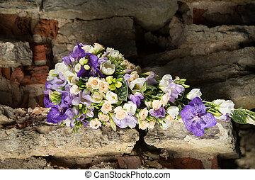 花嫁の花束, 紫色, フリージア, 白, 蘭