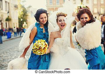 花嫁, 振動, 彼女, ベール, 間, ダンス, ∥で∥, 新婦付添人, 路上で, 中に, 日当たりが良い, 天候