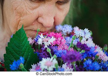 花束, 祖母, 花, 公園, 年配