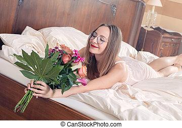 花束, 花, 女, 若い, ベッド