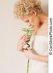 芽, 手掛かり, 若い, 穏やかに, 緑, 手, 女の子
