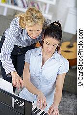 若い女性, 中に, レッスン, ∥で∥, ピアノ教師