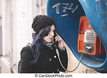 若い女性, 電話。